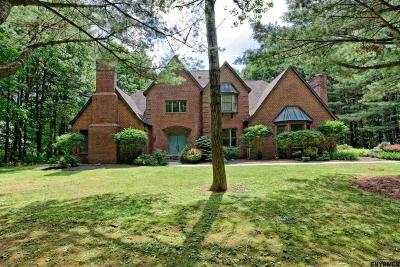 Saratoga Springs Single Family Home For Sale: 7 Oak Brook Blvd
