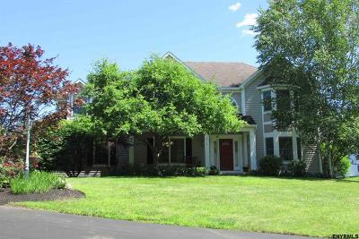 Niskayuna Single Family Home For Sale: 2078 Orchard Park Dr