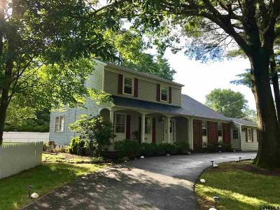 Guilderland Single Family Home For Sale: 3298 Marilyn St