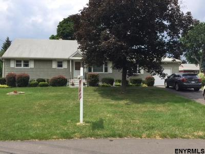 Colonie Single Family Home For Sale: 9 Arden Ct