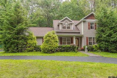 Wilton Single Family Home For Sale: 2 White Birch La
