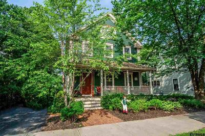 Saratoga Springs Single Family Home For Sale: 117 Nelson Av