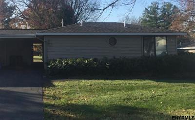 East Greenbush Single Family Home For Sale: 45 Commons Dr