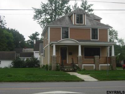 Saratoga Springs Single Family Home For Sale: 172 Lake Av