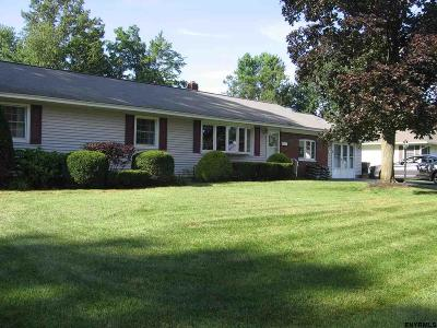 Colonie Single Family Home For Sale: 6 Timberland Dr