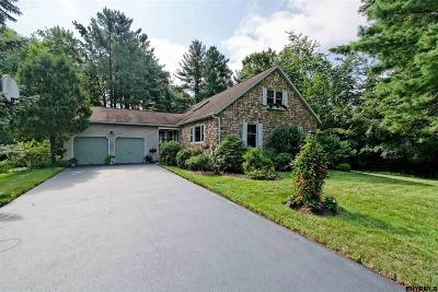 Niskayuna Single Family Home For Sale: 1129 Glenmeadow Ct