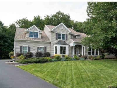 Guilderland Single Family Home For Sale: 731 Sachem Cir