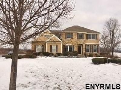 Single Family Home For Sale: 14 Vista Ct