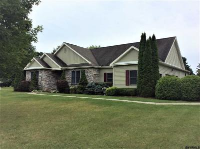 Columbia County Single Family Home For Sale: 33 Apple Tree Ct