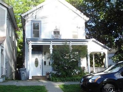 Saratoga Two Family Home For Sale: 142 Woodlawn Av