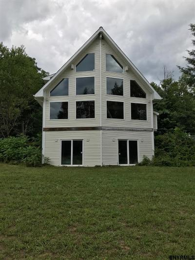 Saratoga Single Family Home For Sale: 207 Casey Rd