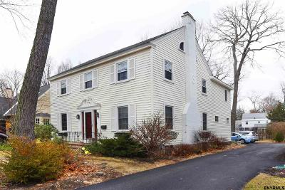 Niskayuna Single Family Home For Sale: 1426 Valencia Rd
