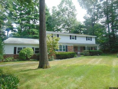 Clifton Park Single Family Home For Sale: 3 Pepper Hollow Dr