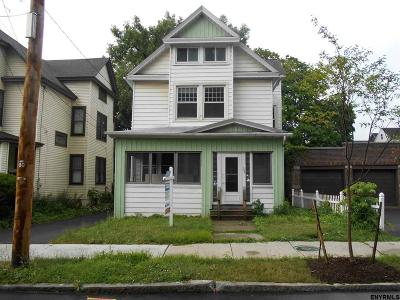 Albany Single Family Home For Sale: 282 Morris St