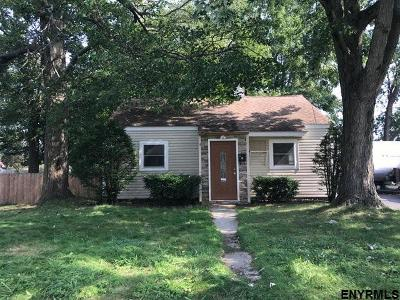 Colonie Single Family Home For Sale: 14 Woolard Av