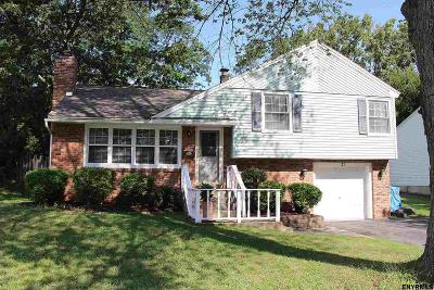 Colonie Single Family Home New: 21 Laurendale St