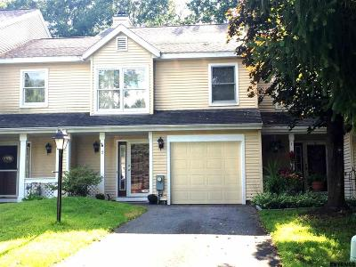 Clifton Park Single Family Home For Sale: 2 Schuyler Ct