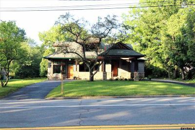 Saratoga Springs Single Family Home For Sale: 220 Crescent Av