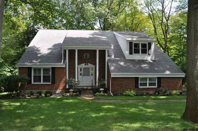 Niskayuna Single Family Home For Sale: 1230 Rosehill Blvd