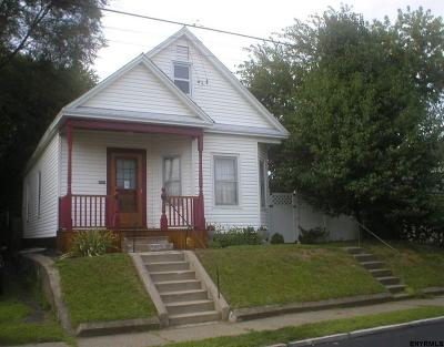 Schenectady County Single Family Home For Sale: 16 Henry St