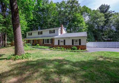 Clifton Park Single Family Home For Sale: 14 Tanglewood Dr