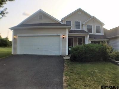 East Greenbush Single Family Home For Sale: 15 Rockrose Dr