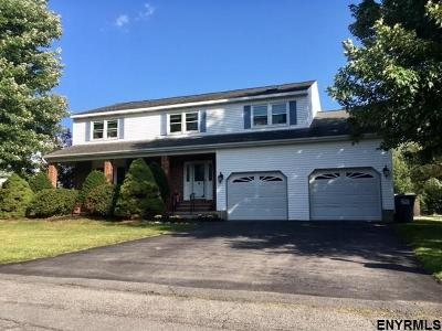 Colonie Single Family Home For Sale: 1 Amy Marie Ct
