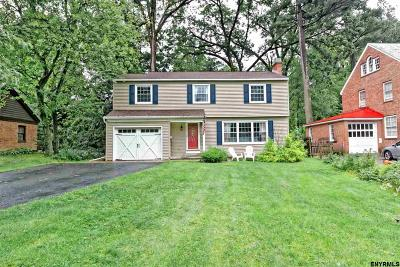 Niskayuna Single Family Home For Sale: 1552 Lexington Pkwy