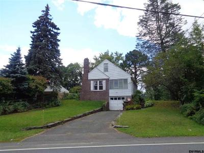 Colonie Single Family Home For Sale: 84 Osborne Rd