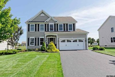Saratoga County Single Family Home For Sale: 16 Chatsworth Way