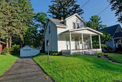 Niskayuna Single Family Home For Sale: 845 Oregon Av