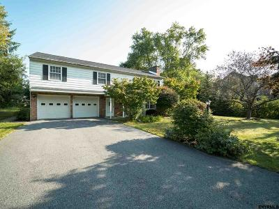 Niskayuna Single Family Home For Sale: 2179 Fox Hill Dr