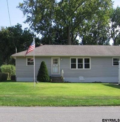 Colonie Single Family Home For Sale: 61 Wilkins Av