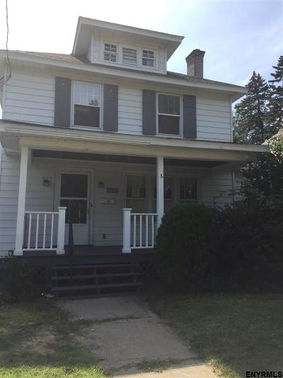 Schenectady Single Family Home For Sale: 262 Bradley Blvd