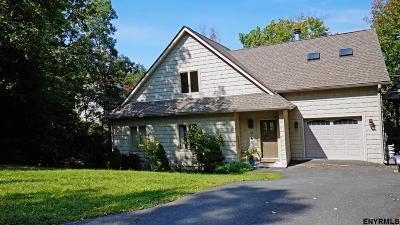 Single Family Home For Sale: 15 Strange Ct