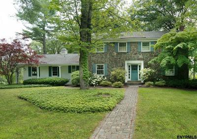 Niskayuna Single Family Home For Sale: 1382 Rosehill Blvd