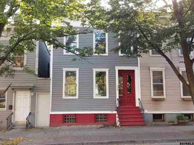 Albany NY Single Family Home For Sale: $195,000
