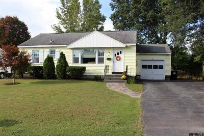 Colonie Single Family Home New: 4 Oakwood Dr