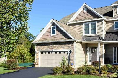 Niskayuna Single Family Home For Sale: 149 Fieldstone Dr