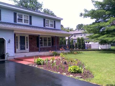 Guilderland Single Family Home For Sale: 312 Polsinelli Dr
