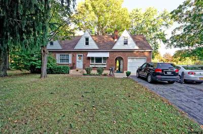 Niskayuna Single Family Home For Sale: 2226 Balltown Rd