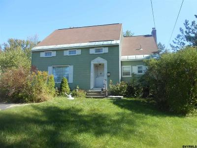 Niskayuna Single Family Home For Sale: 936 Balltown Rd