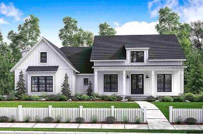 Saratoga County Single Family Home For Sale: 2 Moss Creek Rd