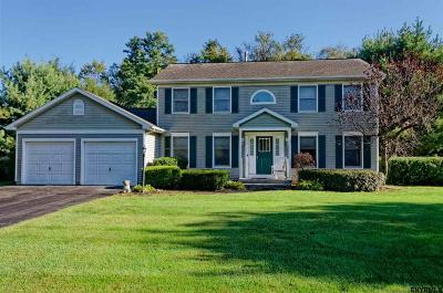 Guilderland Single Family Home For Sale: 3012 Morgan Ct