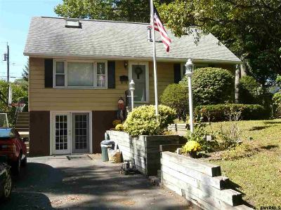 Colonie Single Family Home For Sale: 41 Hillcrest Rd