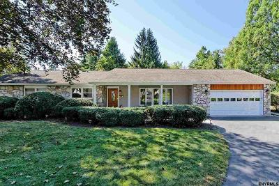 Saratoga Springs Single Family Home For Sale: 6 Moon Dr
