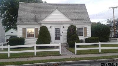 Schenectady Single Family Home For Sale: 1635 Woolsey St