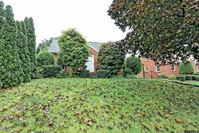 Colonie Single Family Home For Sale: 195 Exchange St
