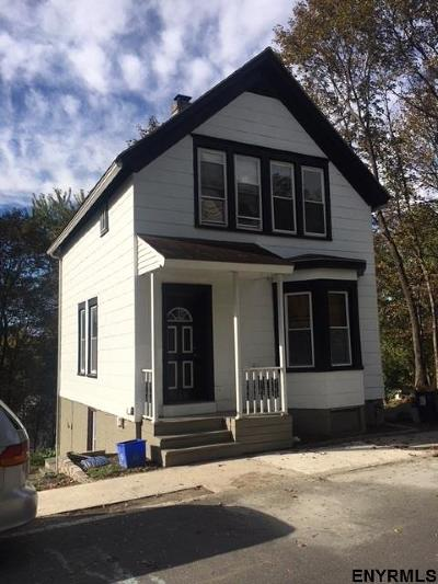 Rensselaer Single Family Home For Sale: 1407 Second St