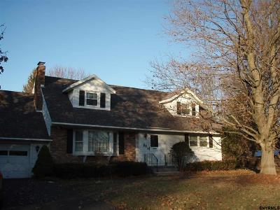 Clifton Park Single Family Home For Sale: 24 Plaid Pl